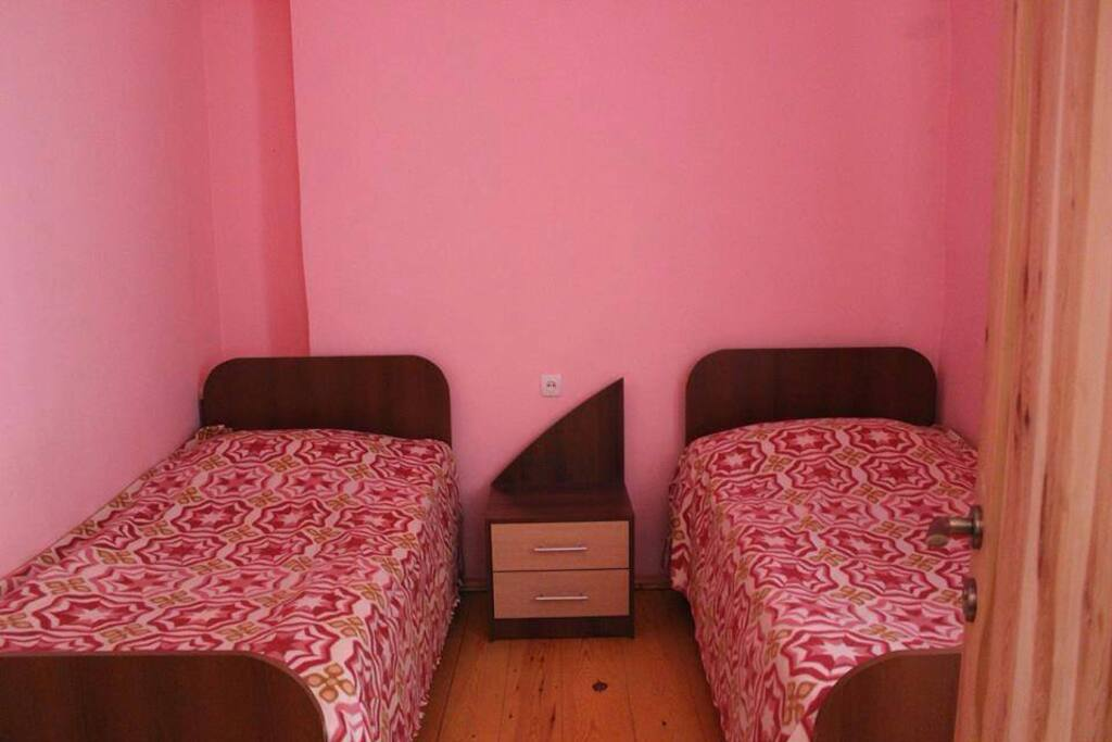 Twin Room Pink