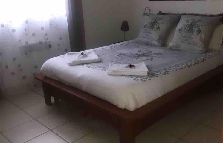 HOURTIN chambre paisible chez l'habitant