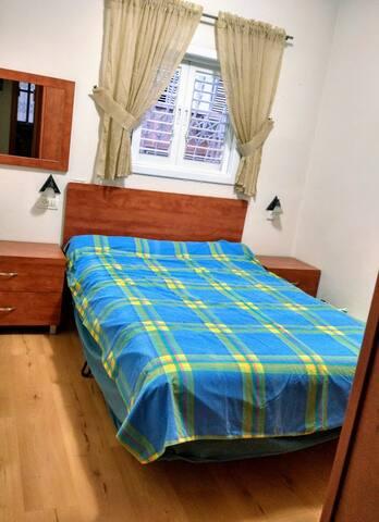 A private room in the center of Rishon Lezion