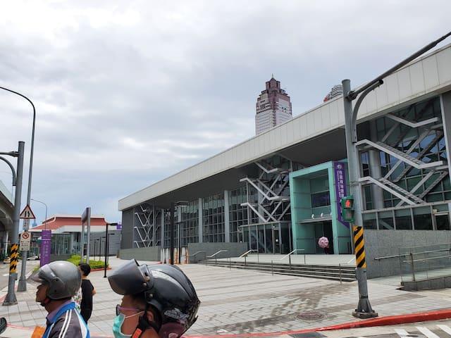 台北車站國門城市商旅獨立市區住宿 機場捷運metro A1站 步行8分鐘超大1房1廳電梯公寓