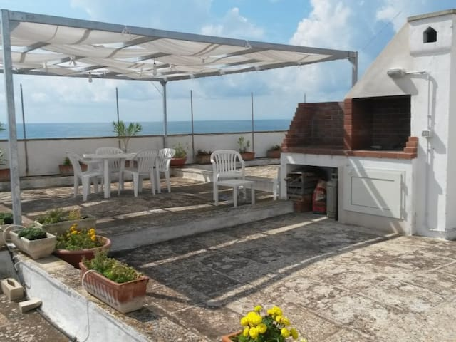 Casa Mossi con terrazza vista mare - Vacation homes for Rent in ...