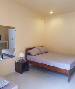 """""""Joaquin"""" ROOM By the Beach with AIRCON and WIFI"""