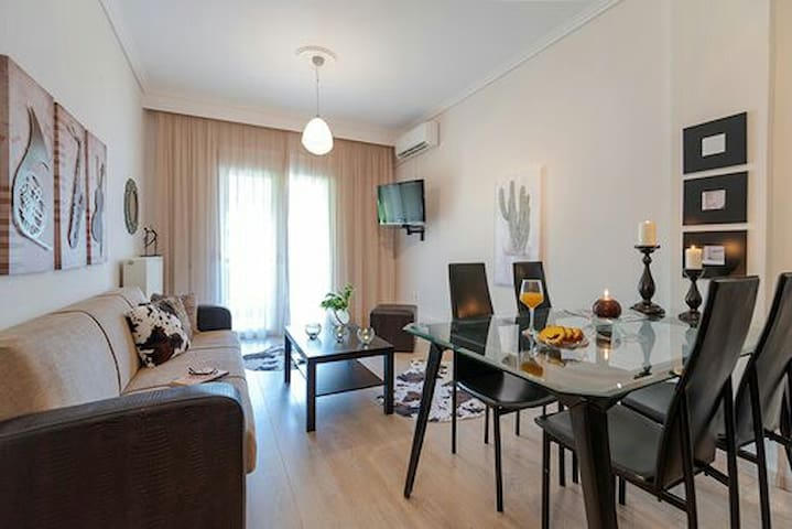 ECLECTIC  TRIANDRIA  APART 3Bedrooms,family space