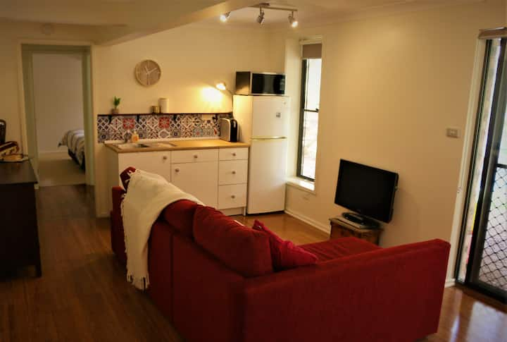 One Bedroom Apartment near John Hunter Hospital