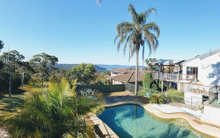 Central Coast Getaway. Pool, Privacy, Bush & Sea Views.
