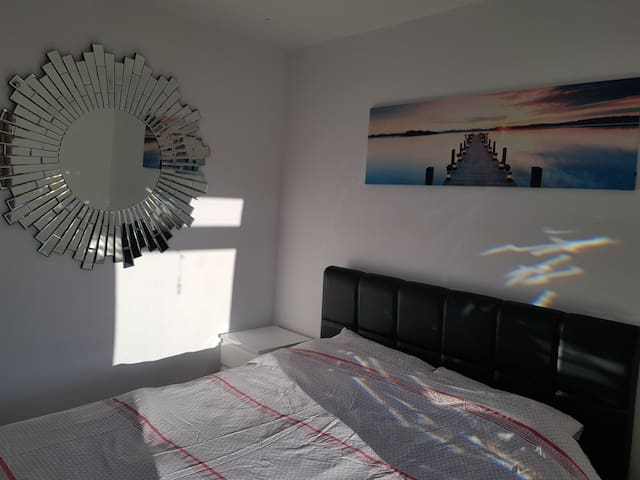 Modern double room near airport +city town