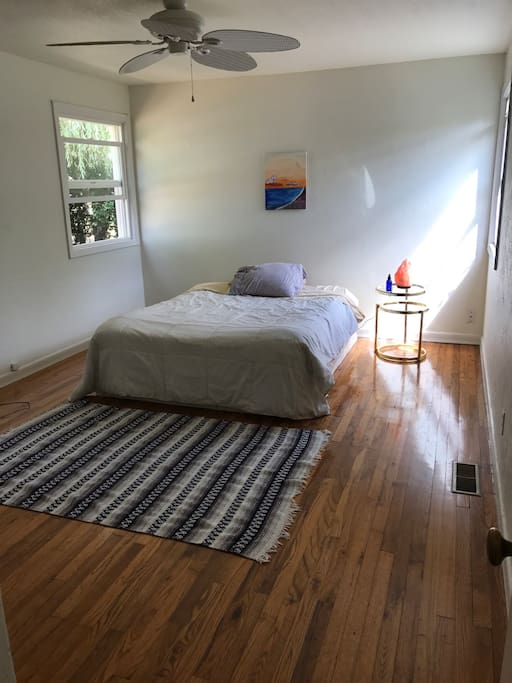 Cozy little room for 2!