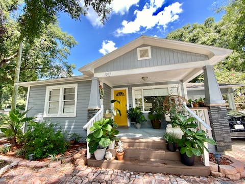 Cute, Historic District Home - GREAT LOCATION