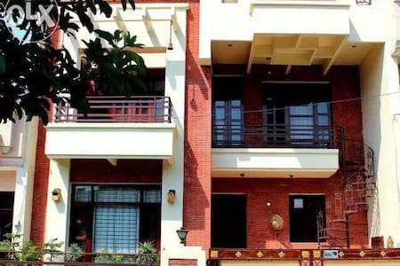 Shared rooms for Males at Mohali. - Sahibzada Ajit Singh Nagar, Punjab, IN - Talo