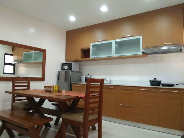 Door2:Homey&Cozy..10Mins.From AIRPORT - Davao City - Appartement