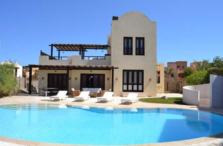 Modern Villa in El Gouna (Private Pool & Garden.)