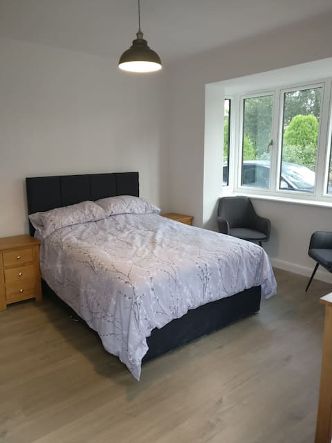 Self contained studio with own entrance/parking