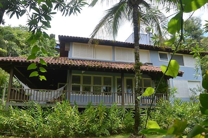 Casa na praia de Santiago, litoral norte de sp