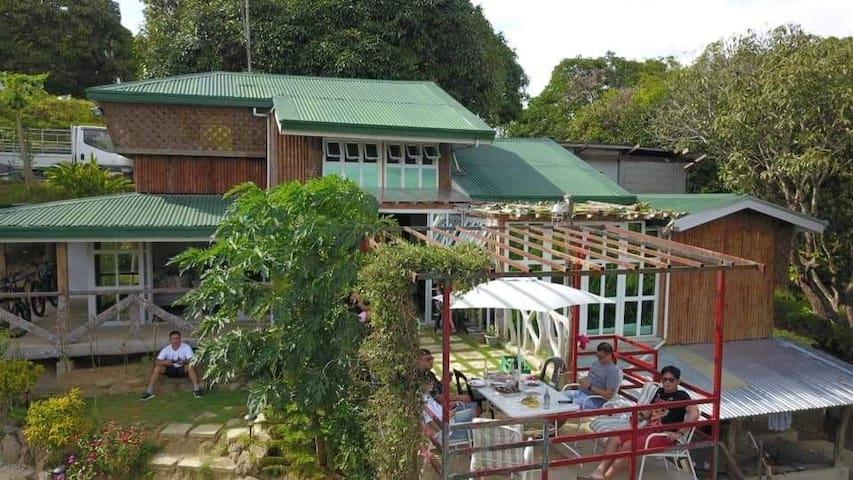 Don Pilimon's Organic Farm Farmhouse stay