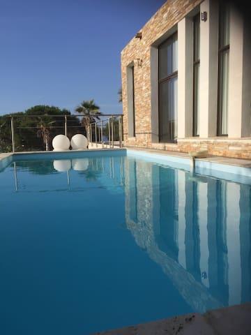 Villa design vue mer - Corbara - Huis