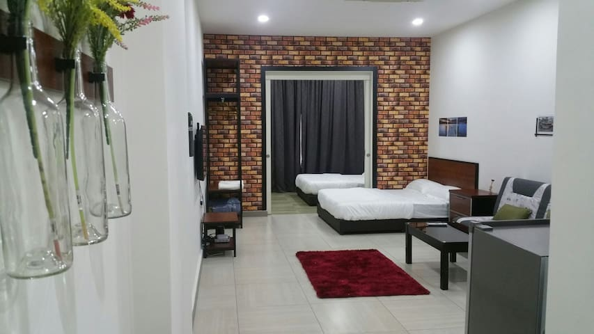 The Octagon Ipoh - Home Stay (City view & Unifi)