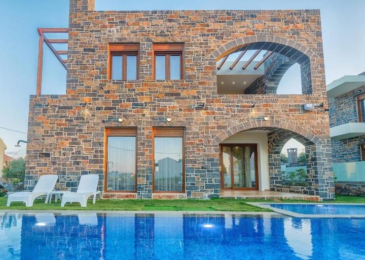 Turtulli Castle Villa 1 by Checkin