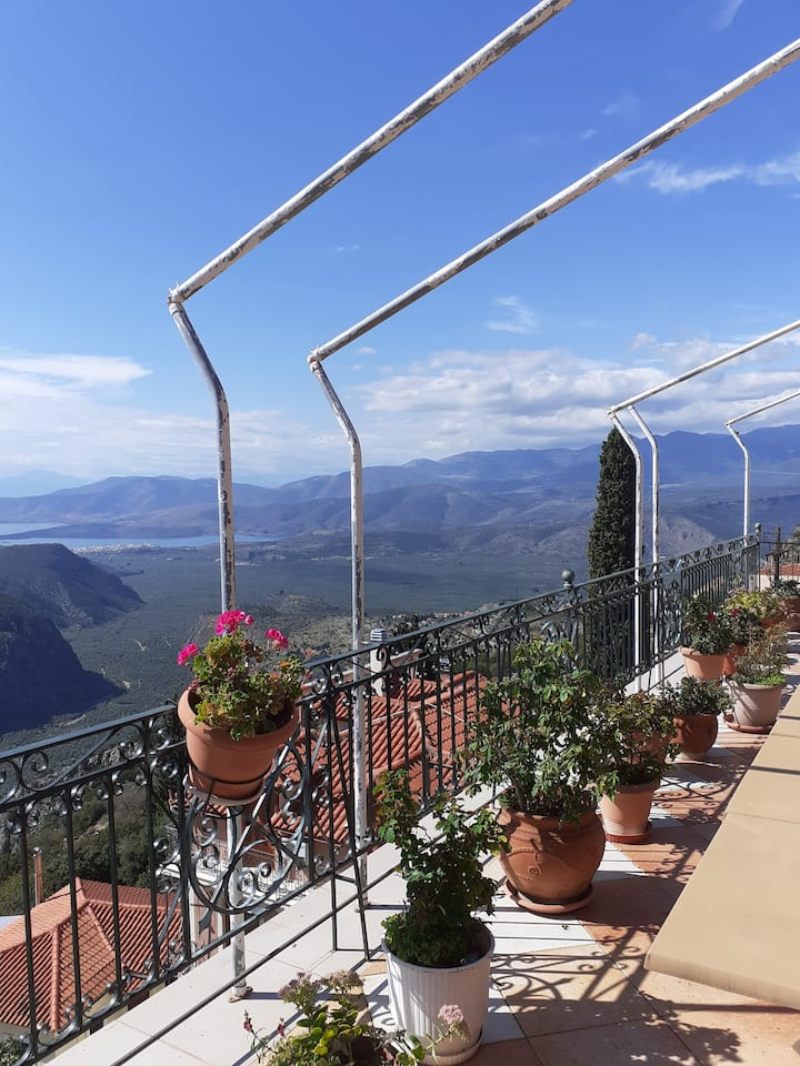 Delphi  Sky Panoramic View Yoga  Harmony Penthouse