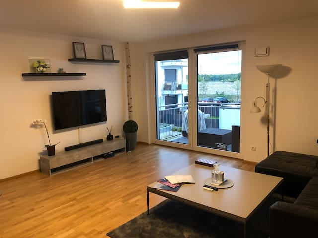 Large 80sqm apartment with terrace near Frankfurt