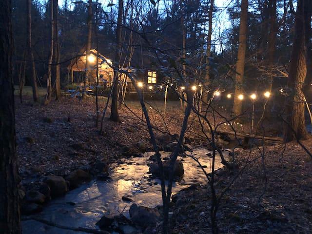 Serene Creekside Retreat
