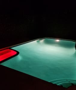 SUPER private Pool home Private Entrance & Bath - Los Angeles - House