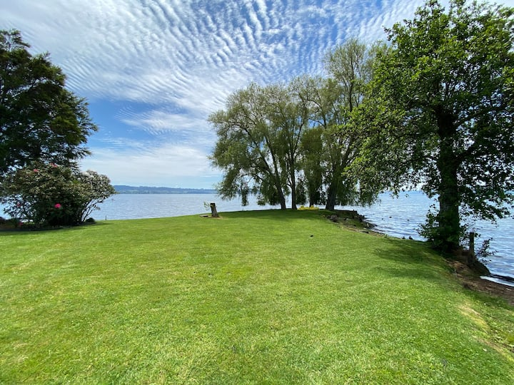 Amazing private lake access in Rotorua holiday