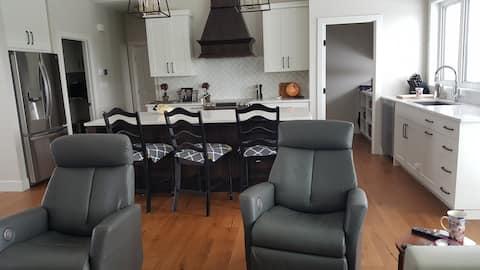 New Executive Home 3400 sq ft. 5 bedroom 3 bath