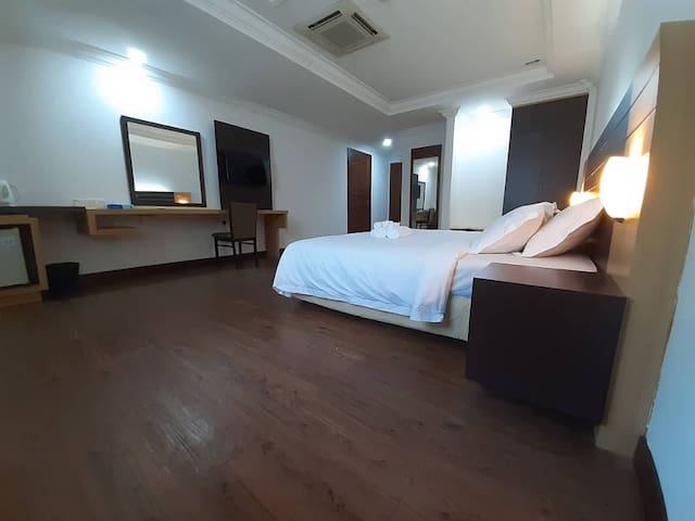 Super King Room with 1 King Bed
