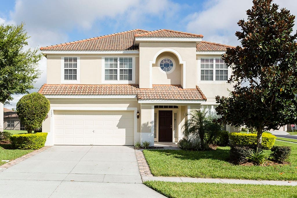 Parkside palace houses for rent in kissimmee florida for Parkside guest house bath