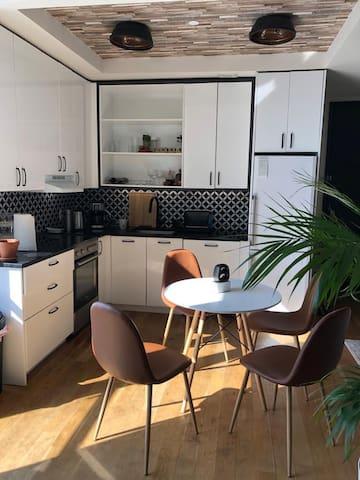 Beautiful Sunlit Apartment in Bushwick