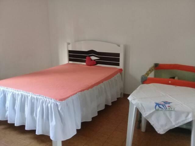 Ótimo quarto próximo a Praia do Morro.