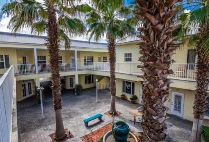 Flagler Avenue Oasis - New Smyrna Beach - Condominio