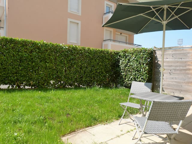 Beautiful apartment in Thonon with garden