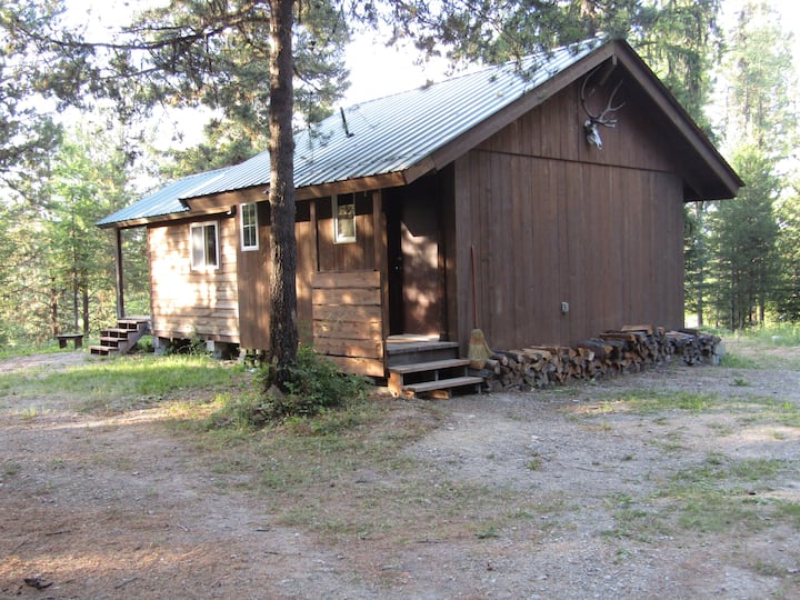 B&L Cabin, Cabinet Mountain Base Camp and Retreat