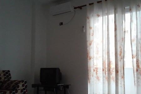 2 minutes from the sea,good prices,best view. - Shëngjin - Apartment