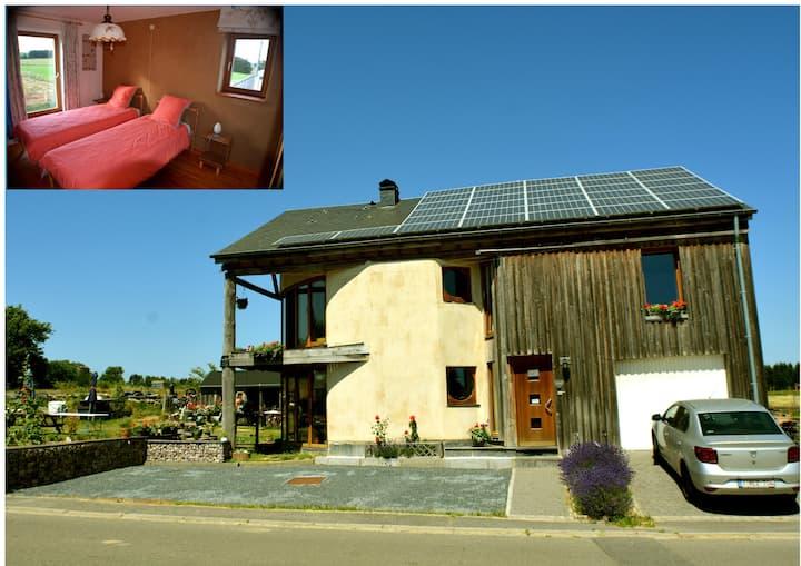 Maison en paille au cœur des Ardennes - chambre B