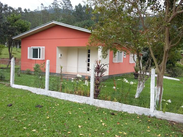 Casa de sitio! wifi, acesso ao Itaimbezinho.