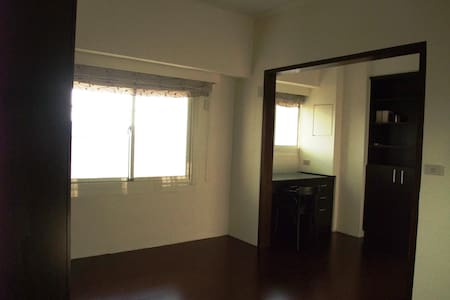 Aunt Wei's Home,HOUSE SHARING,DOUBLE Room(wifi) - Beitun District - Apartamento