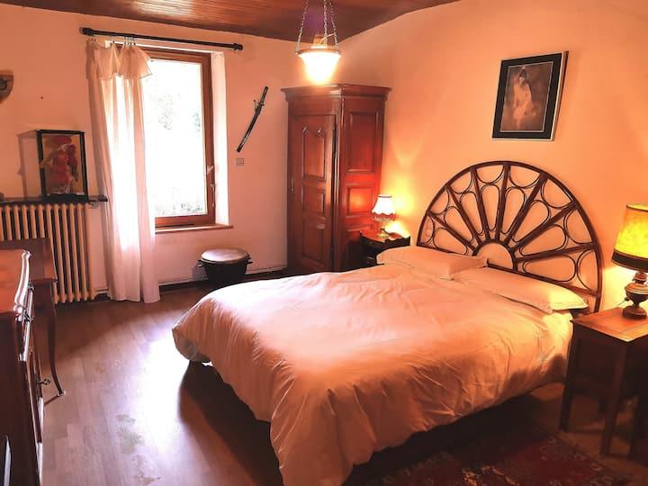 Chambre rdc en Lauragais dans métaierie restaurée