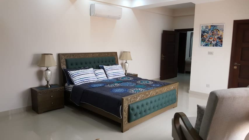 Riverhills 3 Bed Apartment, Bahria Phase-7, Views!