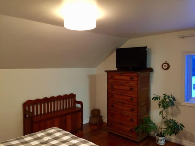Master Bedroom Dresser & Bench