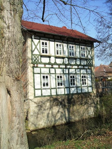 Beautiful half-timbered house, center of Meiningen - Meiningen - Flat