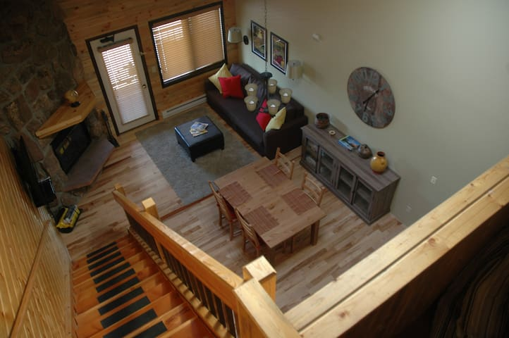 Beautiful Mountain Loft Condo - Granby