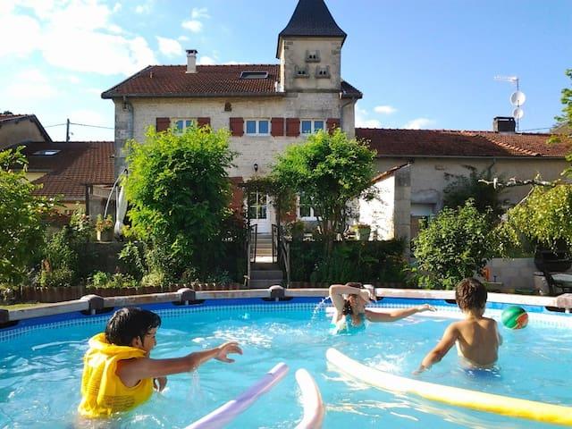 Guesthouse 'Le Pigeonnier' - Échenay - Casa