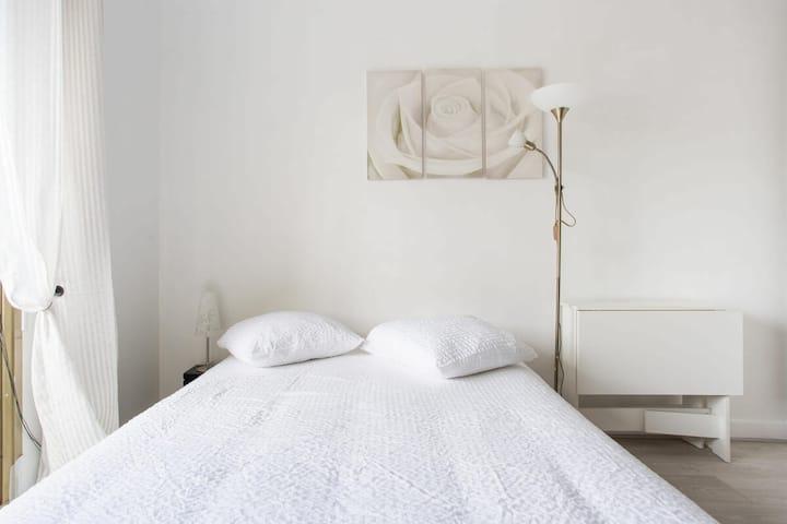 Cozy studio with balcony, Boulogne-Billancourt