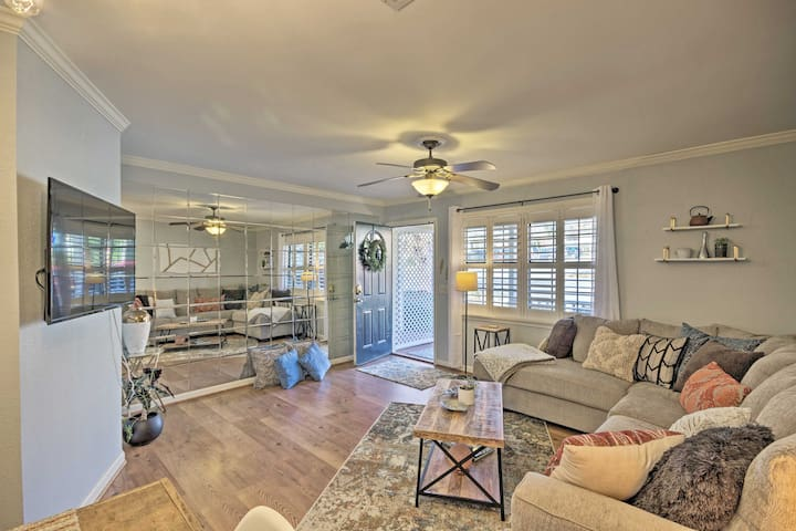 Greenville Townhome w/ Patio, 30 Mins. to Clemson!