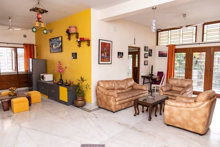 Apartment in SALTLAKE near SECTOR V, METRO Station