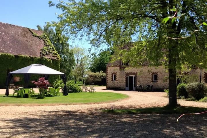 Salle BERGERIE Atypique  35 lits + camping Parc