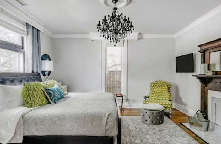Glam Historic House in Germantown-Mins to Downtown