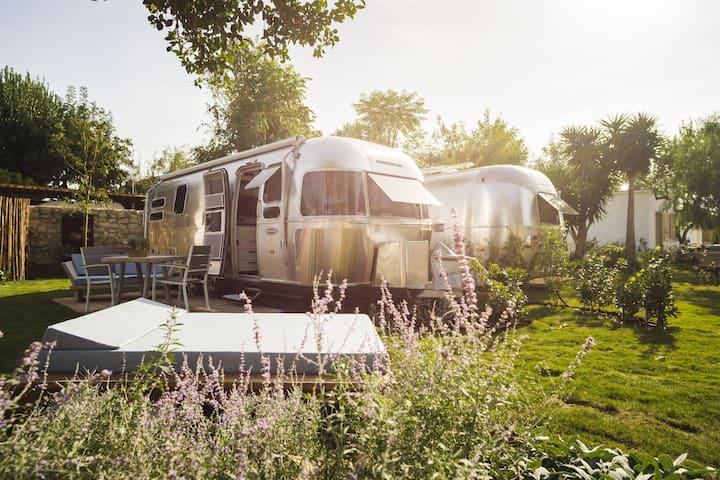 Airstream Procida, campeggio di lusso a Procida